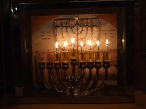 סיור חנוכיות בירושלים צילום ערן ודוד דל אור