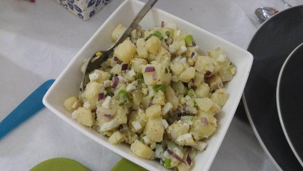 סלט תפוחי אדמה ברגע – טעים קל בריא ובלי מיונז! אתם חייבים לנסות!