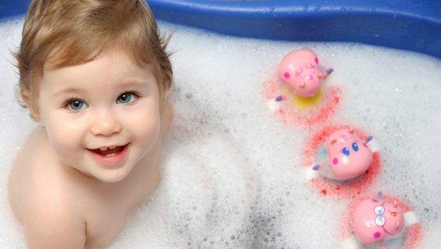 עונת הרחצה נפתחת… באמבטיה! 7 טיפים שיעזרו לך במקלחת