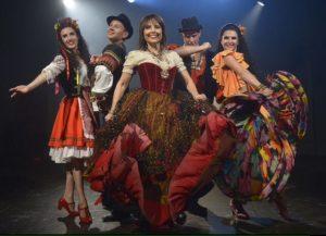 """התזמורת הקאמרית הישראלית מעלה את המופע """"אגדות צוענים"""" בכיכובה של ניצה שאול."""