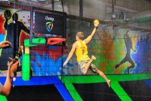 פארק הטרמפולינות הראשון בישראל לילדים I JUMP מגיע לאאוטלט מבנה באר –שבע