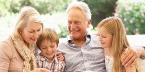 זמן איכות לסבים וסבתות עם נכדים ונכדות בבית אבי חי